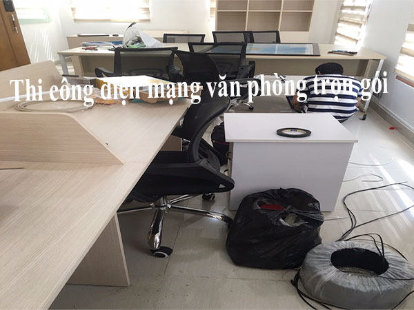 thi-cong-dien-mang-van-phong